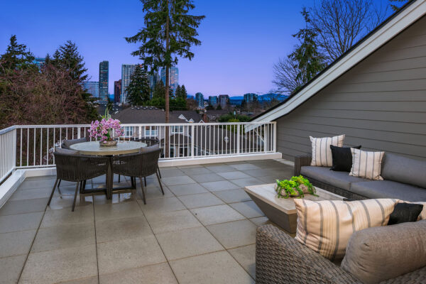MN Minute Episode 14 - Outdoor and Indoor Entertainment Spaces